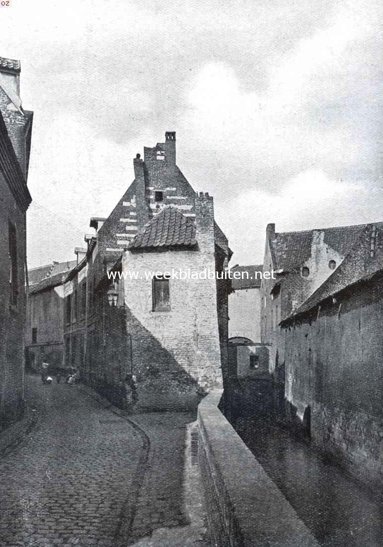 Bijschrift foto: oud-maastricht. bonnefanten-straat